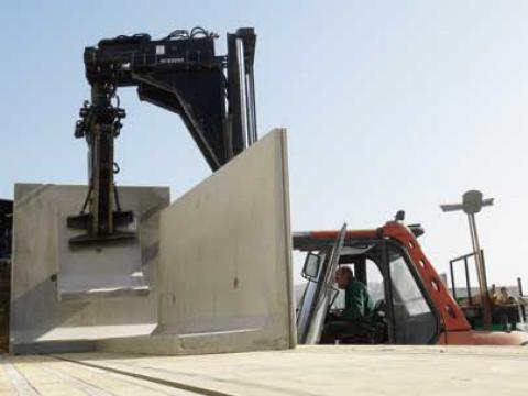 Plaatsing van betonelementen