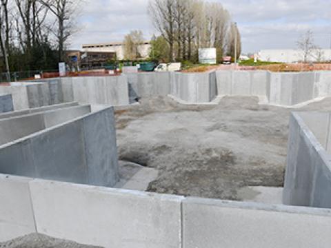 Keerwanden CBS beton containerpark, Wielsbeke