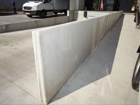 laadkade met betonwanden