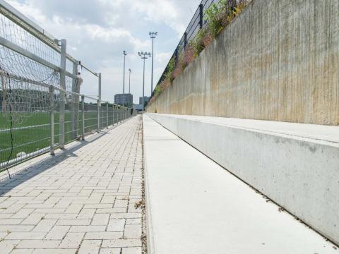 Sportinfrabouw Anderlecht bancs beton CBS 2