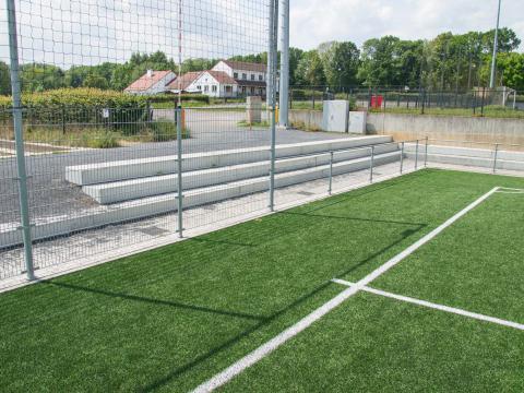 Sportinfrabouw Anderlecht bancs beton CBS 3
