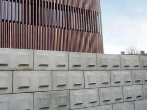 Betonblokken met nokken