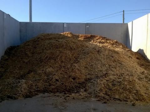 Mestvaalt voor paarden met keerwanden type CLF10GS Hoogte 2,50 m