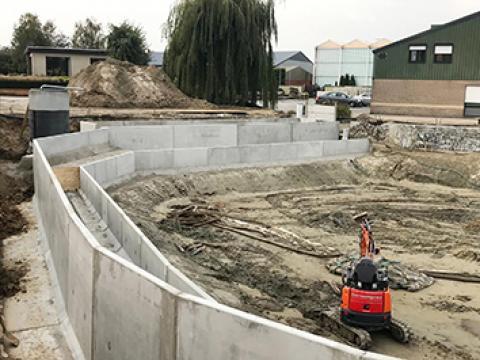 Zwem- en visvijver CBS beton, L-keerwanden